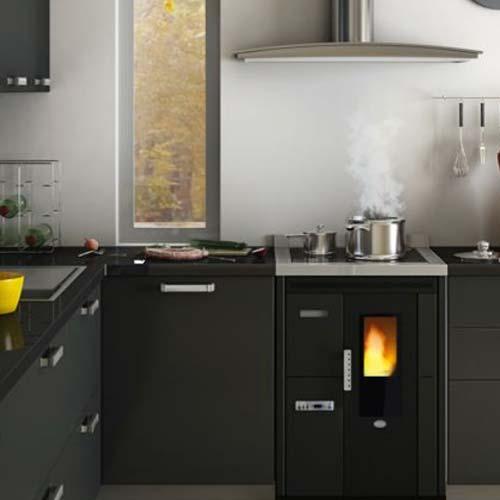 Cucina a Pellet Eva Calor Nina 7,5 kW ad Incasso Nero Goffrato Piano ...